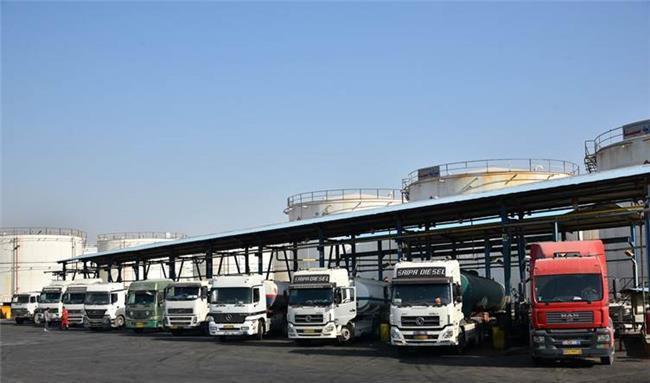 تحصن رانندگان کامیون در مرز حاج عمران