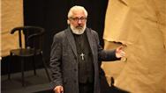صدیق عزیز نمایش «پدر» را در اربیل روی صحنه میبرد